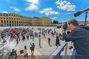 Foto Flashmob - Schloss Schönbrunn - Sa 10.05.2014 - Manfred BAUMANN31