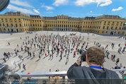 Foto Flashmob - Schloss Schönbrunn - Sa 10.05.2014 - Manfred BAUMANN34