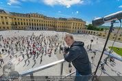 Foto Flashmob - Schloss Schönbrunn - Sa 10.05.2014 - Manfred BAUMANN36