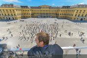Foto Flashmob - Schloss Schönbrunn - Sa 10.05.2014 - Manfred BAUMANN38