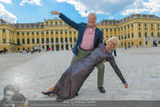 Foto Flashmob - Schloss Schönbrunn - Sa 10.05.2014 - Hans-Georg und Karin HEINKE4