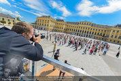 Foto Flashmob - Schloss Schönbrunn - Sa 10.05.2014 - Manfred BAUMANN40