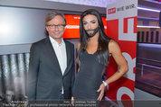 Conchita Wurst Collection - Vienna, Austria - So 11.05.2014 - Alexander WRABETZ, Conchita WURST130