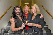 Conchita Wurst Collection - Vienna, Austria - So 11.05.2014 - Conchita WURST, Diana LUEGER (Zweitfrau), Sissy MAYERHOFFER84