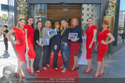 Red Shoes Day - Humanic Wien - Di 20.05.2014 - Jury mit Models34