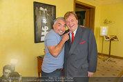 Hundeflüsterer Cesar Millan - Grand Hotel Wien - Do 22.05.2014 - Cesar MILANO, Michael AUFHAUSER38