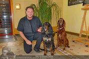 Hundeflüsterer Cesar Millan - Grand Hotel Wien - Do 22.05.2014 - Heinz HANNER mit Hunden4