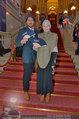 LB Celebration Konzert Red Carpet - Burgtheater - Fr 30.05.2014 - Vivienne WESTWOOD mit Ehemann Andreas KRONTHALER71
