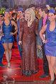 Lifeball Red Carpet (VIP) - Rathaus - Sa 31.05.2014 - Courtney LOVE104