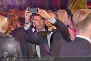 Lifeball Red Carpet (VIP) - Rathaus - Sa 31.05.2014 - Florian GSCHWANDTNER (runtastic)139