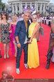 Lifeball Red Carpet (VIP) - Rathaus - Sa 31.05.2014 - Fadi MERZA mit Ehefrau Ines43