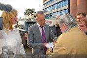 Buchpräsentation ´L.A. Stories´ - BMW Wien - Di 03.06.2014 - Titus WELLIVER gibt Autogramme36