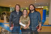 Buchpräsentation ´L.A. Stories´ - BMW Wien - Di 03.06.2014 - Jeanette BIEDERMANN mit Gips und Band46
