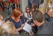 Guido Maria Kretschmer - Triumph - Fr 20.06.2014 - Guido Mario KRETSCHMER gibt Autogramme54
