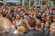Guido Maria Kretschmer - Triumph - Fr 20.06.2014 - Guido Mario KRETSCHMER gibt Autogramme56