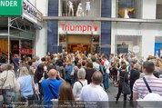 Guido Maria Kretschmer - Triumph - Fr 20.06.2014 - Guido Mario KRETSCHMER gibt Autogramme61