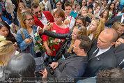Guido Maria Kretschmer - Triumph - Fr 20.06.2014 - Guido Mario KRETSCHMER gibt Autogramme67