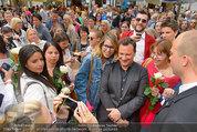 Guido Maria Kretschmer - Triumph - Fr 20.06.2014 - Guido Mario KRETSCHMER gibt Autogramme68