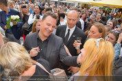 Guido Maria Kretschmer - Triumph - Fr 20.06.2014 - Guido Mario KRETSCHMER gibt Autogramme70