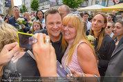 Guido Maria Kretschmer - Triumph - Fr 20.06.2014 - Guido Mario KRETSCHMER gibt Autogramme71