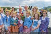 Sonnwendfahrt - Wachau - Sa 21.06.2014 - Erwin PR�LL mit Ehefrau Elisabeth (Sissi) und Kinderchor26