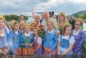 Sonnwendfahrt - Wachau - Sa 21.06.2014 - Erwin PR�LL mit Ehefrau Elisabeth (Sissi) und Kinderchor27