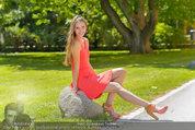 Miss Austria Fotoshooting - Schlosspark Schönbrunn - Fr 04.07.2014 - Julia FURDEA27