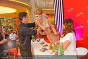 Lindsey Lohan PK und Autogrammstunde - PlusCity Linz - Sa 26.07.2014 - Lindsey LOHAN100