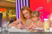 Lindsey Lohan PK und Autogrammstunde - PlusCity Linz - Sa 26.07.2014 - Lindsey LOHAN102