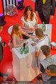 Lindsey Lohan PK und Autogrammstunde - PlusCity Linz - Sa 26.07.2014 - Lindsey LOHAN104