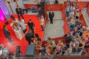 Lindsey Lohan PK und Autogrammstunde - PlusCity Linz - Sa 26.07.2014 - 105