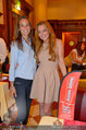 Lindsey Lohan PK und Autogrammstunde - PlusCity Linz - Sa 26.07.2014 - Lindsey LOHAN107