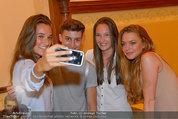 Lindsey Lohan PK und Autogrammstunde - PlusCity Linz - Sa 26.07.2014 - Lindsey LOHAN112