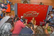 Lindsey Lohan PK und Autogrammstunde - PlusCity Linz - Sa 26.07.2014 - 33