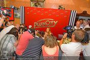 Lindsey Lohan PK und Autogrammstunde - PlusCity Linz - Sa 26.07.2014 - 35