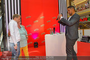 Lindsey Lohan PK und Autogrammstunde - PlusCity Linz - Sa 26.07.2014 - Oliver POCHER, Kena AMOA51