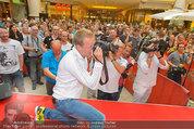 Lindsey Lohan PK und Autogrammstunde - PlusCity Linz - Sa 26.07.2014 - Oliver POCHER53
