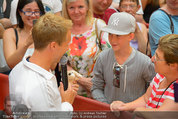 Lindsey Lohan PK und Autogrammstunde - PlusCity Linz - Sa 26.07.2014 - Oliver POCHER59
