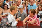 Lindsey Lohan PK und Autogrammstunde - PlusCity Linz - Sa 26.07.2014 - Oliver POCHER61