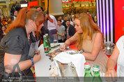 Lindsey Lohan PK und Autogrammstunde - PlusCity Linz - Sa 26.07.2014 - Lindsey LOHAN76