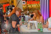 Lindsey Lohan PK und Autogrammstunde - PlusCity Linz - Sa 26.07.2014 - Lindsey LOHAN77