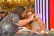 Lindsey Lohan PK und Autogrammstunde - PlusCity Linz - Sa 26.07.2014 - Lindsey LOHAN81