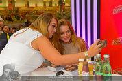 Lindsey Lohan PK und Autogrammstunde - PlusCity Linz - Sa 26.07.2014 - Lindsey LOHAN83