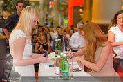 Lindsey Lohan PK und Autogrammstunde - PlusCity Linz - Sa 26.07.2014 - Lindsey LOHAN84