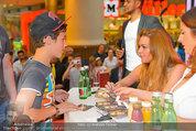 Lindsey Lohan PK und Autogrammstunde - PlusCity Linz - Sa 26.07.2014 - Lindsey LOHAN90
