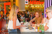 Lindsey Lohan PK und Autogrammstunde - PlusCity Linz - Sa 26.07.2014 - Lindsey LOHAN96