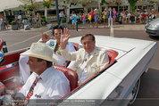 Lugner Verlobung - Casino Velden - Fr 01.08.2014 - Ankunft Richard LUGNER mit Thunderbird Cabrio10