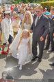 Lugner Verlobung - Casino Velden - Fr 01.08.2014 - Spatzi Cathy SCHMITZ mit Brautvater39