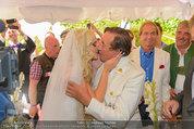 Lugner Verlobung - Casino Velden - Fr 01.08.2014 - Spatzi Cathy SCHMITZ, Richard LUGNER (Kussfoto)76