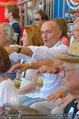 Beachvolleyball VIPs - Centrecourt Klagenfurt - Sa 02.08.2014 - Gerald KLUG mit Sandra (HRNJAK; schwanger)11